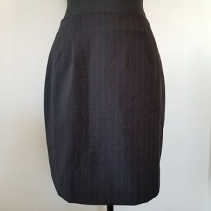 Black pencil skirt with red pin stripes sz 5/6